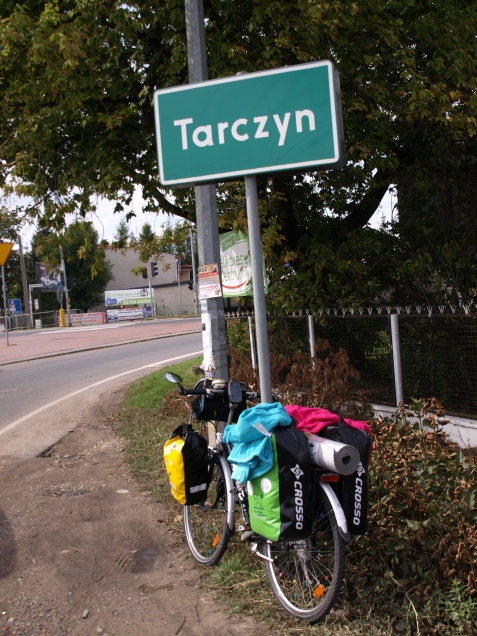 I've cycled through Tarczyn - the capitol of Polish apples - as well (day 1)