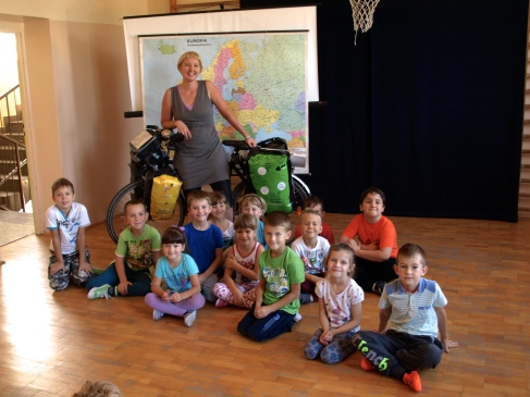 The meeting with pupils in the primary school in Ciezkowice