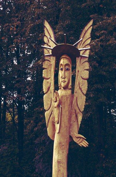 An angel on the way from Czestochowa to Olkusz