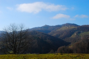 """Walking around Kungota (the church is the one Peter claimes as """"one hour distance"""")"""